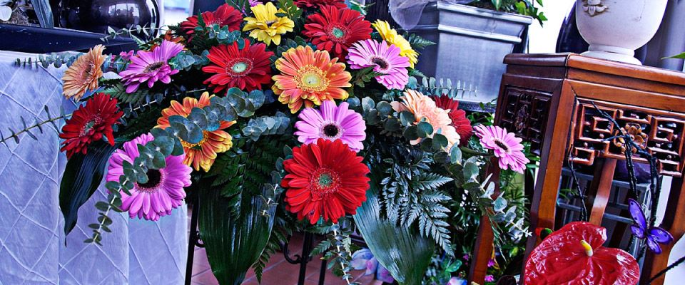 flower funeral arrangement